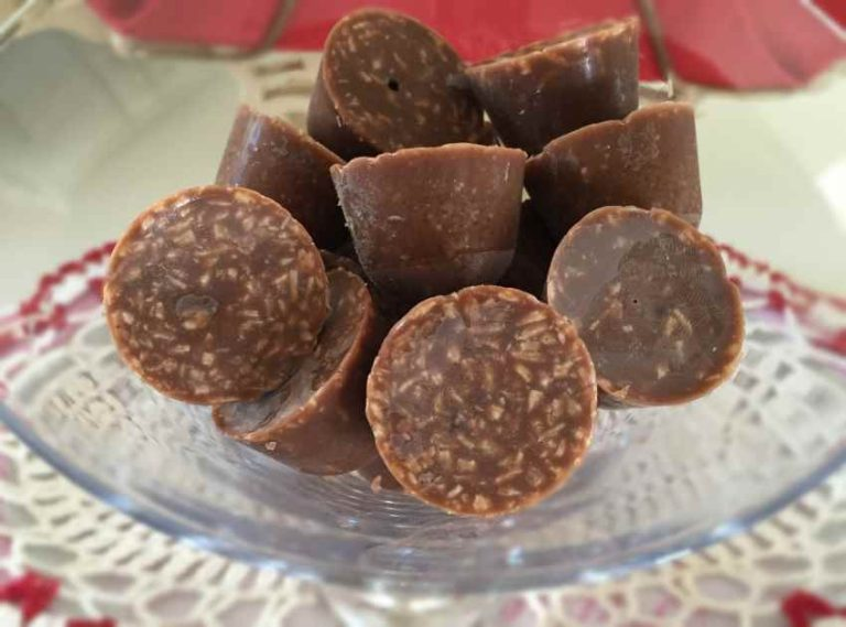 Chocolate Coconut Mini Fat Bombs