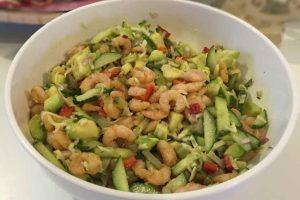 prawn-avocado-salad